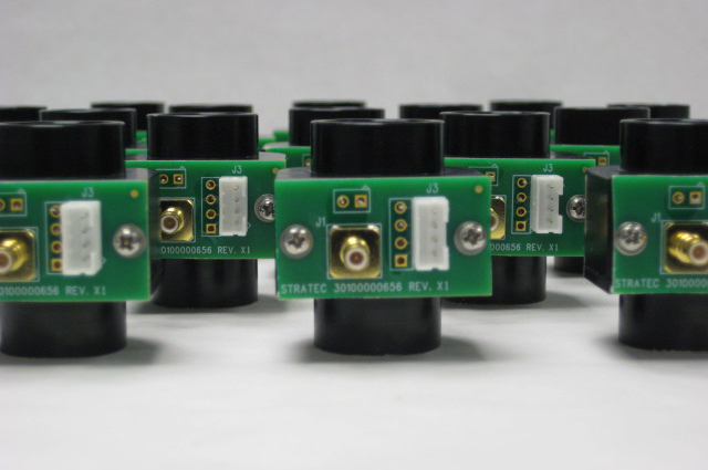 "<p style=""color: white; background-color: rgba(0, 0, 0, 1.0); border: 2px solid #f88d2b; padding: 15px 15px 15px 15px"">Liquid crystal cells potted into final assemblies. BVO mounts custom optic into provided mounts</p>"